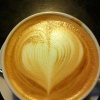 Снимок сделан в Traveler's Coffee пользователем Иван Л. 5/25/2012