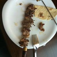 3/27/2012 tarihinde Mina G.ziyaretçi tarafından Palandöken Cemal Usta Cağ Kebabı'de çekilen fotoğraf