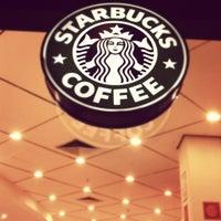 Снимок сделан в Starbucks пользователем Rogerio M. 7/22/2012