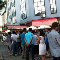 6/10/2012 tarihinde Seda O.ziyaretçi tarafından Dondurmacı Yaşar Usta'de çekilen fotoğraf
