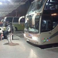 Foto tomada en Terminal de Buses O'Higgins por Victor C. el 6/12/2012