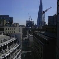 Photo taken at Premier Inn London Southwark Tate Modern by Edwin V. on 8/18/2012