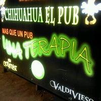 Foto tomada en Chihuahua Pub por LaPollo S. el 4/22/2012