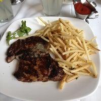 Photo taken at Mortons Steakhouse Seaport Boston by ¥@$€ on 7/27/2012