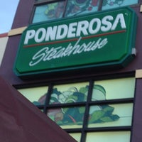 Photo taken at Ponderosa Steakhouse by Claudinho on 7/23/2012
