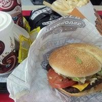 4/29/2012 tarihinde Hernan G.ziyaretçi tarafından Burger King'de çekilen fotoğraf