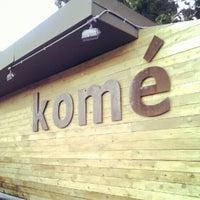 รูปภาพถ่ายที่ Komé โดย Darron D. เมื่อ 8/12/2012