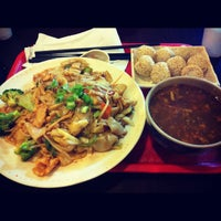 Photo taken at Big Bowl Noodle House by Christina H. on 7/3/2012