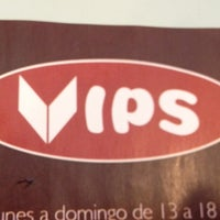 Photo taken at Vips by Cris H. on 3/20/2012