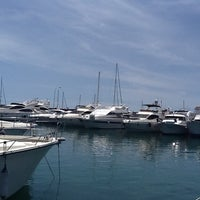 Foto tomada en Puerto Deportivo de Benalmádena - Puerto Marina por Костя К. el 5/13/2012
