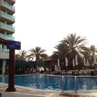 5/29/2012 tarihinde Jaeyoung L.ziyaretçi tarafından Hilton Dubai Jumeirah'de çekilen fotoğraf