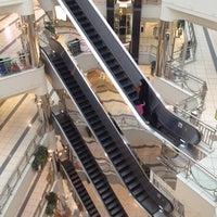 รูปภาพถ่ายที่ Al Rashid Mall โดย Turkie A. เมื่อ 5/5/2012
