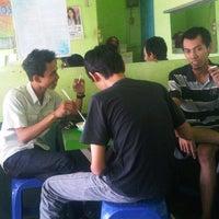 Photo taken at Sop Buah Simpang by Kiki C. on 8/2/2012