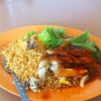 Photo taken at Pasir Panjang Food Centre by Aisyah_BDL on 6/25/2012