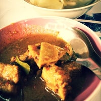 Photo taken at ร้านอาหาร ปักษ์ใต้พัทลุง by Tanitsorn L. on 2/23/2012