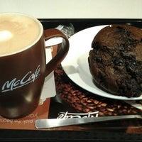 Photo taken at McDonald's & McCafé by Vivienne💋 on 8/11/2012