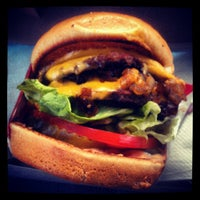 Photo taken at In-N-Out Burger by Tony B. on 6/11/2012