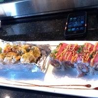 Foto tirada no(a) Sushi O Bistro por John G. em 2/20/2012