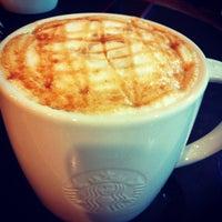 8/28/2012 tarihinde Lotfi I.ziyaretçi tarafından Starbucks'de çekilen fotoğraf