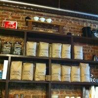 Снимок сделан в Sit & Wonder пользователем thecoffeebeaners 6/9/2012
