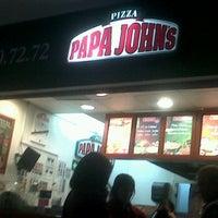 Photo taken at Papa John's Pizza CDMX - Interlomas by Carlos A. on 12/17/2011