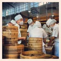Photo taken at Din Tai Fung by Bhuschong S. on 3/18/2012