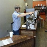 Снимок сделан в Café Grumpy пользователем Noah W. 3/7/2011