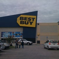 Photo taken at Best Buy by Mario J. on 11/15/2011