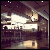 Photo taken at Apple Oriocenter by Salvatore on 6/14/2011