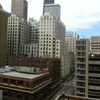 Photo taken at DoubleTree by Hilton Hotel Chicago - Magnificent Mile by Mauro C. on 9/10/2011