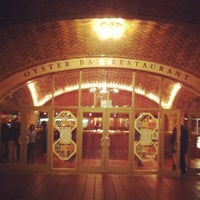Photo taken at Grand Central Oyster Bar by Erone T. on 10/18/2011