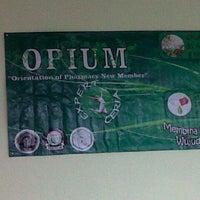 Photo taken at Gedung Biomedik Fakultas Kedokteran by Hidayah S. on 8/31/2012
