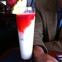 Photo taken at Red Lobster by Rui X. on 5/28/2011