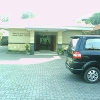 Photo taken at Balai Kerajaan Saksi-Saksi Yehuwa by Izard M. on 6/3/2012