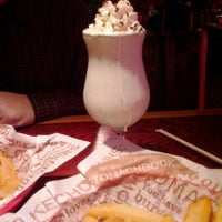 Photo taken at Red Robin Gourmet Burgers by Bill B. on 2/2/2012