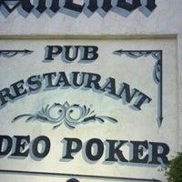 Foto tirada no(a) Crown & Anchor Pub por asia em 9/29/2011