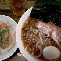 Photo taken at 横浜家系 麺屋 はやぶさ by Toru K. on 11/14/2011