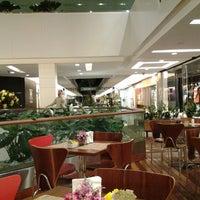 Foto tirada no(a) Fashion Mall por Raf K. em 8/28/2012