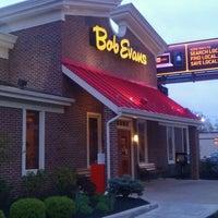 Photo taken at Bob Evans Restaurant by Charlez F. on 3/25/2012