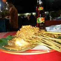 2/9/2012 tarihinde Audy E.ziyaretçi tarafından Sate Padang Ajo Ramon'de çekilen fotoğraf
