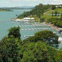 Photo taken at Escarpas do Lago by Adriano R. on 4/6/2012