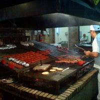 Foto tirada no(a) Parrilla del Sur por Roberta B. em 3/23/2012