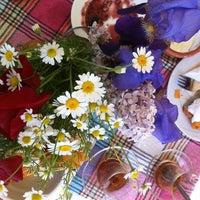 4/28/2012 tarihinde Story S.ziyaretçi tarafından Zeytindalı Kahvaltı Evi'de çekilen fotoğraf