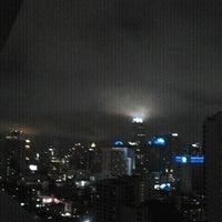 Photo taken at Fraser Suites Sukhumvit, Bangkok by Technoko W. on 9/10/2011