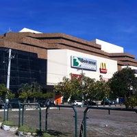 Foto tirada no(a) Beiramar Shopping por André Diogo M. em 7/26/2011