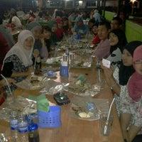 Photo taken at Wong Solo by Hajjmia G. on 7/22/2012