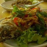 Photo taken at ร้านอาหาร ครัวท้ายซอย by Diane B. on 5/18/2011