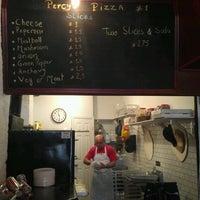 Das Foto wurde bei Percy's Pizza von Roger d. am 1/10/2012 aufgenommen