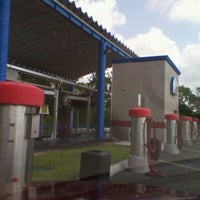 Photo taken at 3 Minute $3  Car Wash by Marian on 8/14/2011