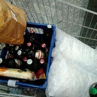 Photo taken at Supermercados Pague Menos by Elivélton S. on 4/30/2012